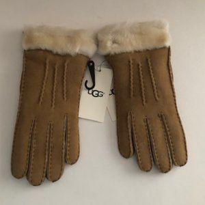 UGG Shearling Sheepskin Women's Chestnut Gloves.